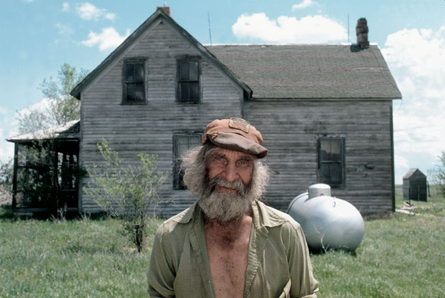Emery Blagdon outside his home in Garfield Table, Nebraska, 1979