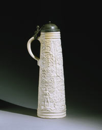 Image 03: Tankard (Schnelle) with the Royal Coat of Arms of England and Spain