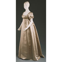 Image 01: Quaker Wedding Dress
