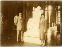 Jules and Etta Mastbaum in front of The Kiss at the Hotel Biron