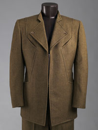 Image 02: Man's Suit: Jacket and Trousers
